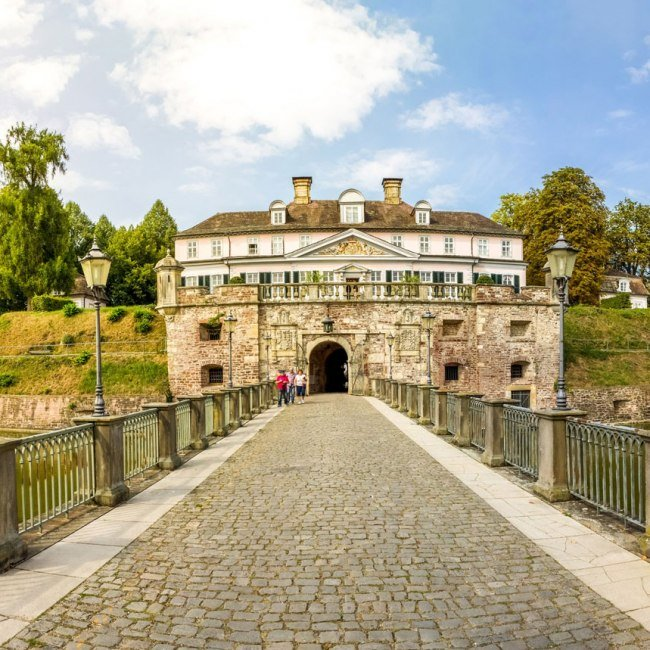 Schloss Bad Pyrmont, © Fotolia / pure-life-pictures